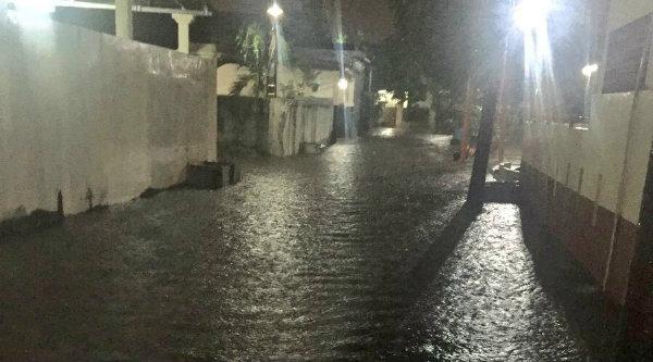 Pukul 19:04 Banjir 30 cm di Pondok Pekayon Indah Bekasi.[IST]
