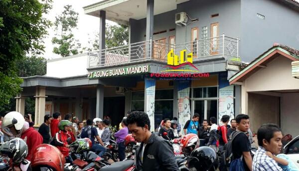 Kantor pemasaran perumahan GGS yang menipu sekitar 500 buruh di Kampung Rawa Atug.[ZAI]