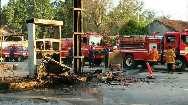 Satu mesin SPBU Blokang terbakar berhasil dipadamkan 3 unit Damkar, Senin 8 Mei 2017.[OJI]