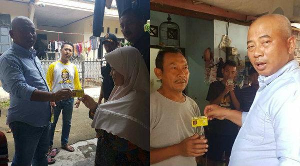 WaliKota Bekasi Rahmat Effendi saat mengantar dan memberikan langsung kartu sehat pada warga Kecamatan Bekasi Utara, Sabtu 6 Mei 2017.[IST]